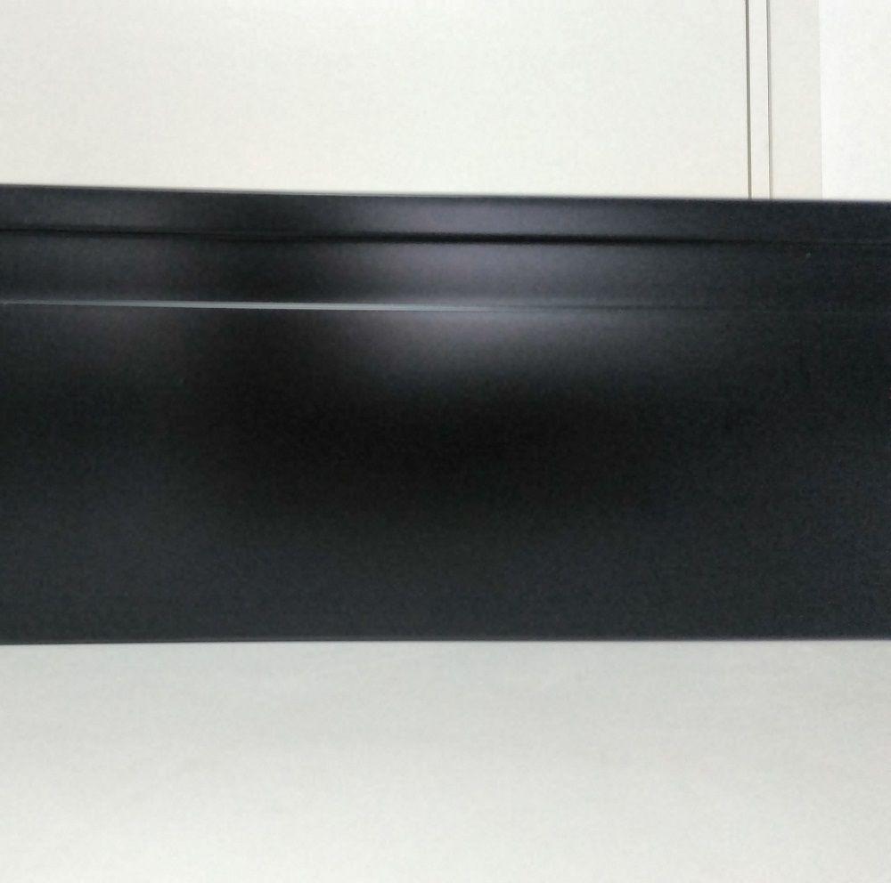 Rodapé de Poliestireno Frisado 10 cm Preto Barra de 2,4 m