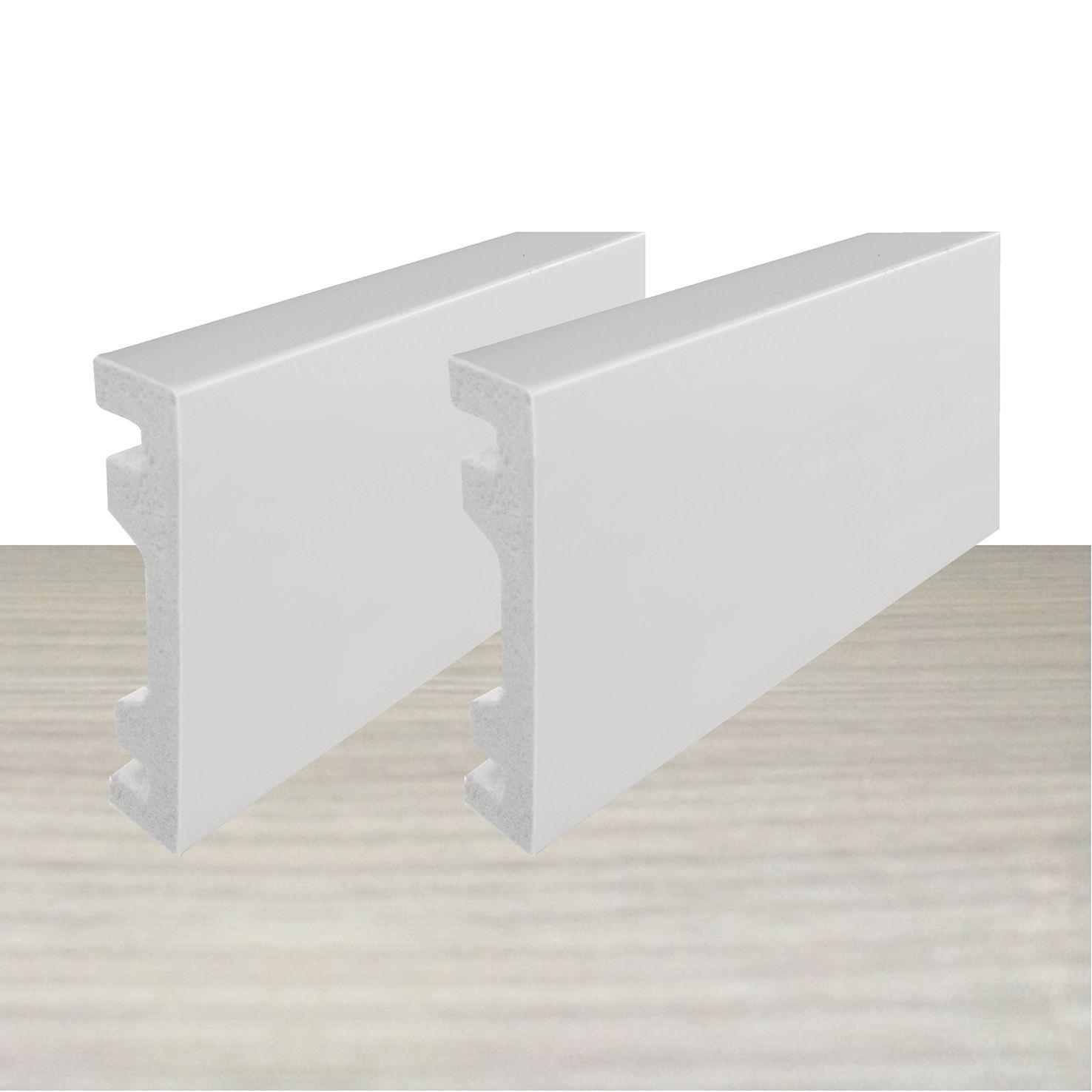 Rodapé de Poliestireno Liso 7 cm Barra de 2,4 m