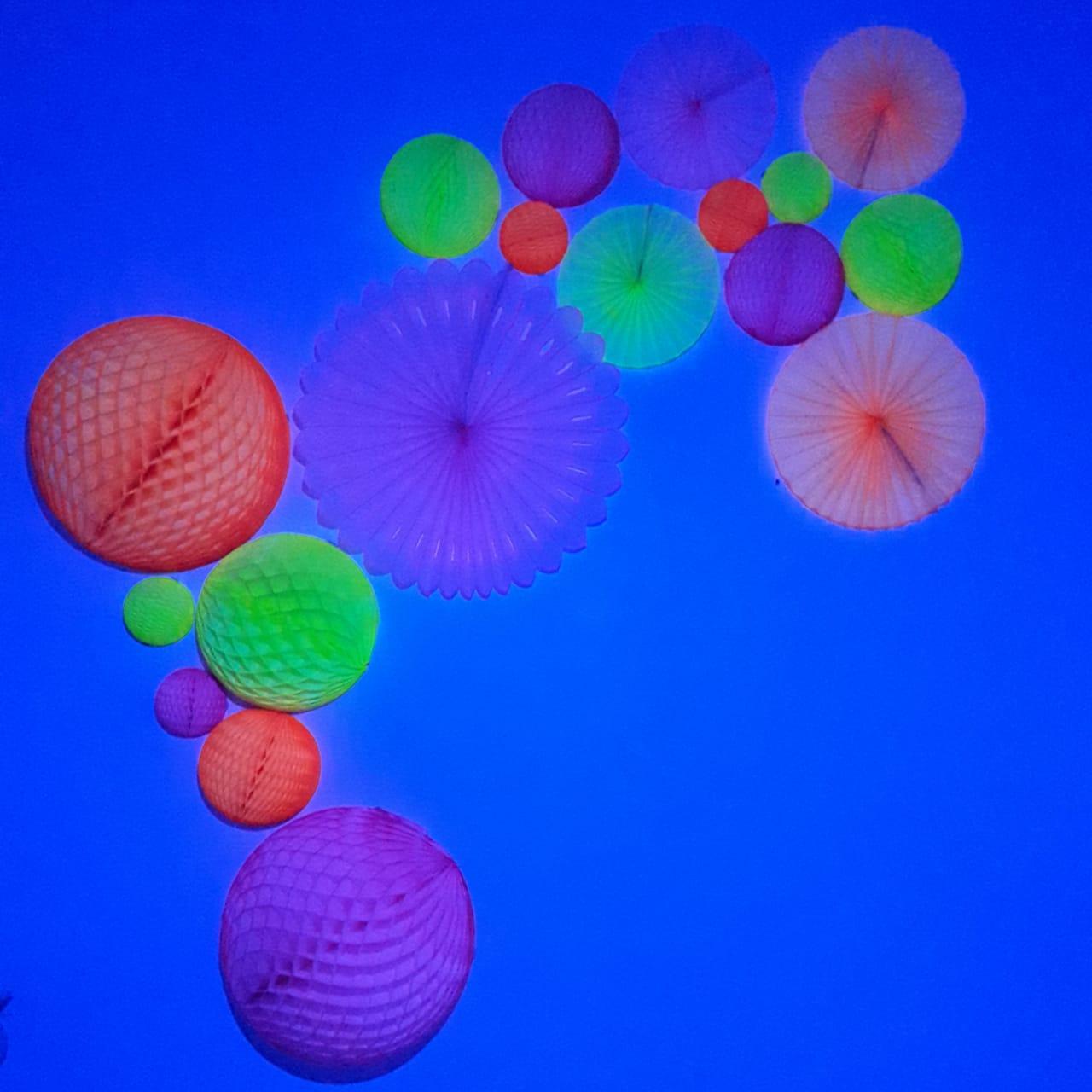 Balão GLOBO Bola de Papel de seda Cor Amarelo Fluorescente (brilha na luz negra) GiroToy Enfeites