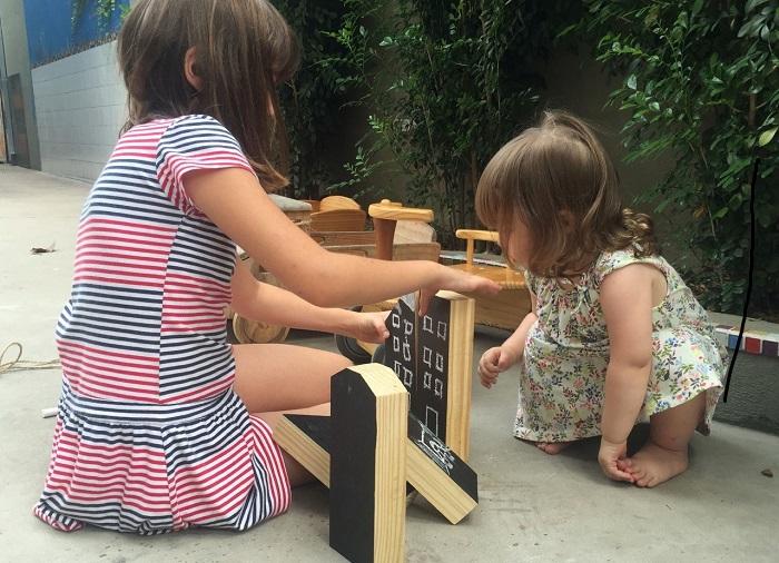 Blocos de madeira para montar e desenhar com giz