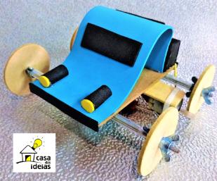 Carrinho de madeira com motor