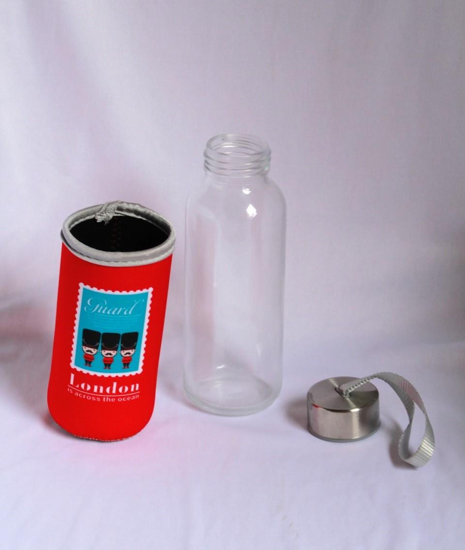 Garrafinha de água em vidro