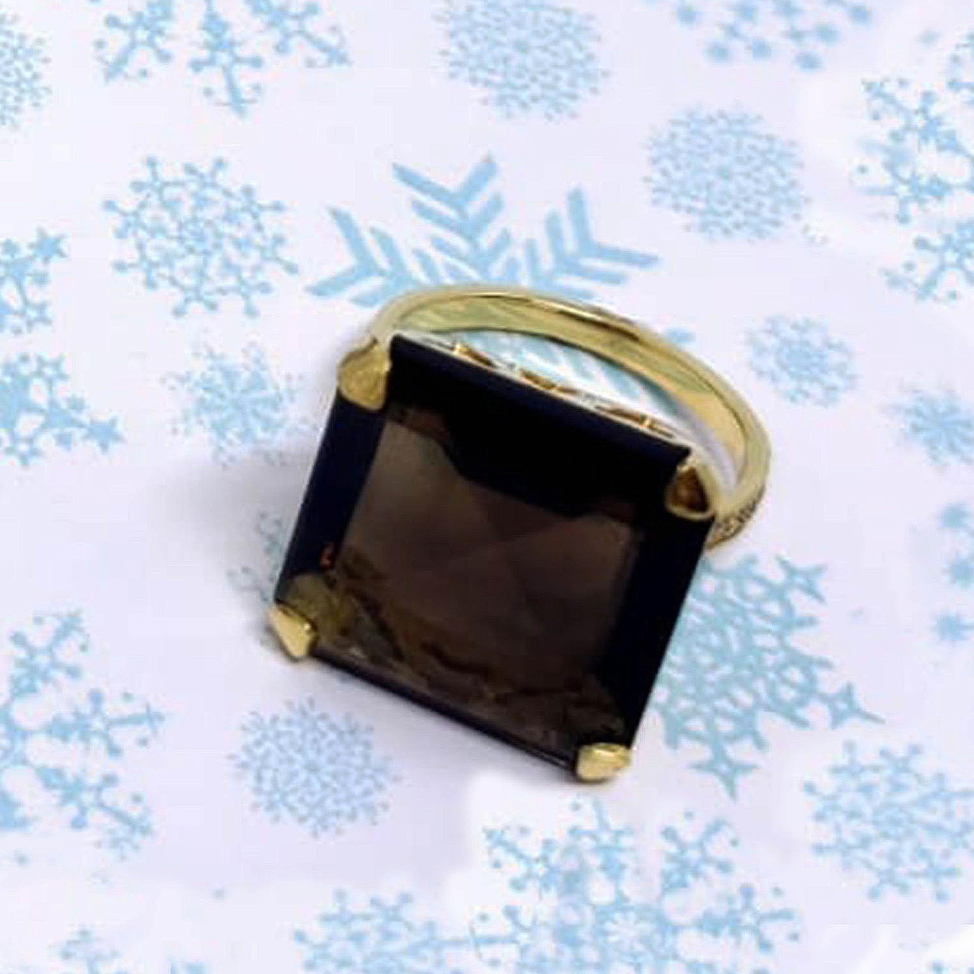 Anel Quadrado Quartzo Fumê c/ Diamantes em Ouro 18 Kilates
