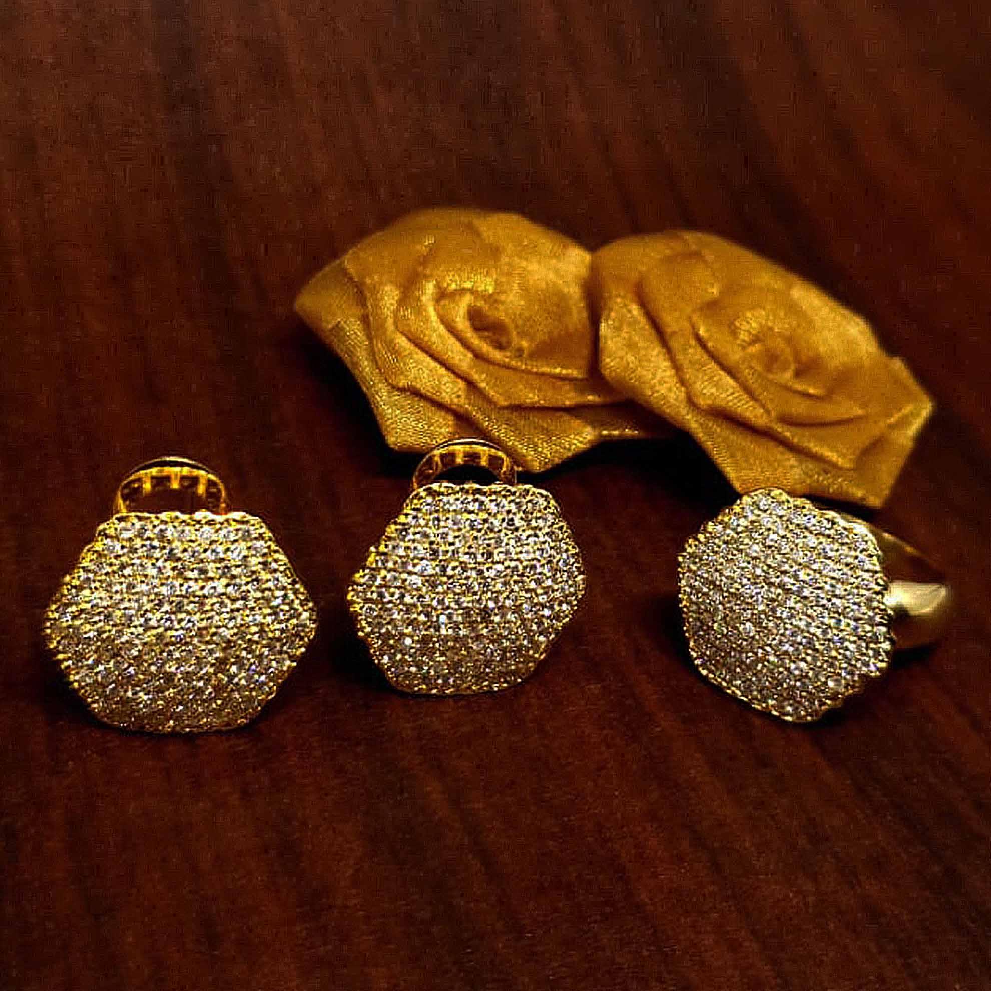 Brinco Hexágono c/ Diamantes em Ouro 18 Kilates