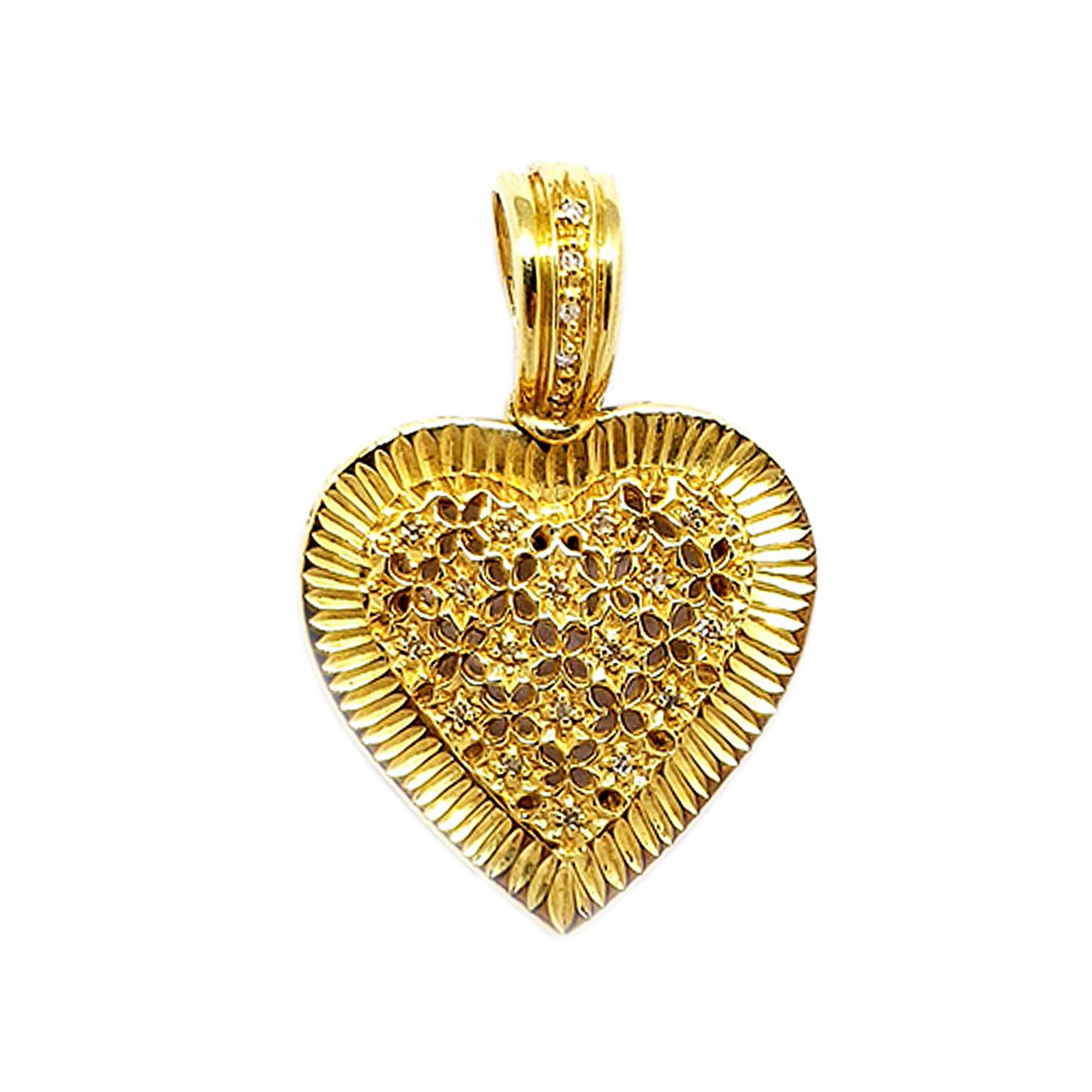 Pingente Coração Rendado c/ Zircônias em Ouro 18 Kilates