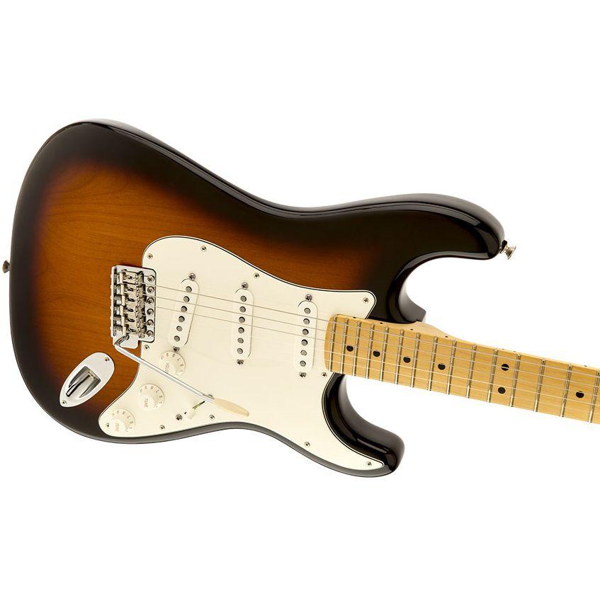 Guitarra Fender 011 5602 303 American Special Stratocaster Mn