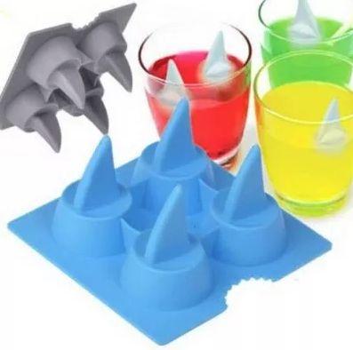 Forma de Gelo Tubarão Em Silicone Ke Home 6132