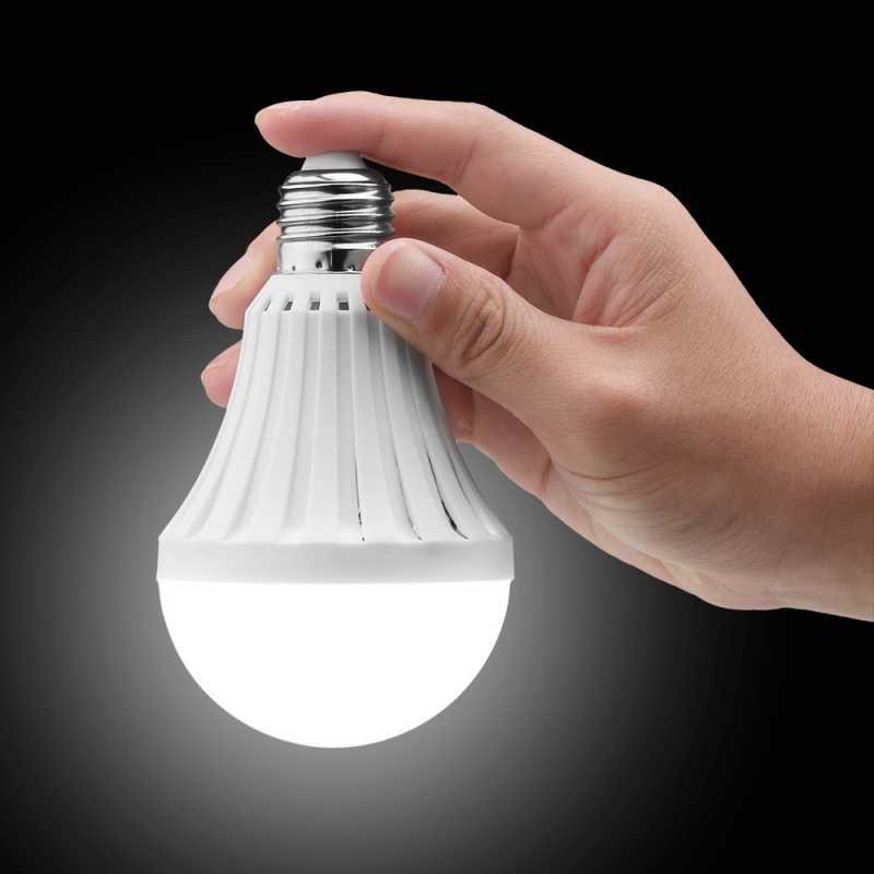Lâmpada LED Bulbo de Emergência 9W Branco Frio