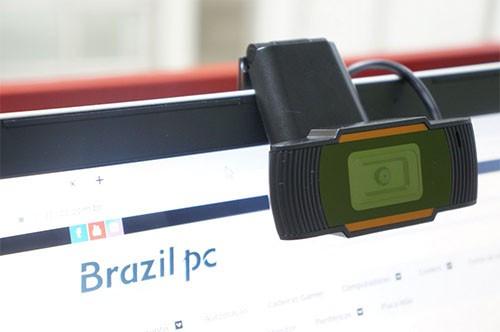 Webcam BrazilPC V5 HD 720p Com Microfone Integrado - Preta/Laranja  - Mega Computadores