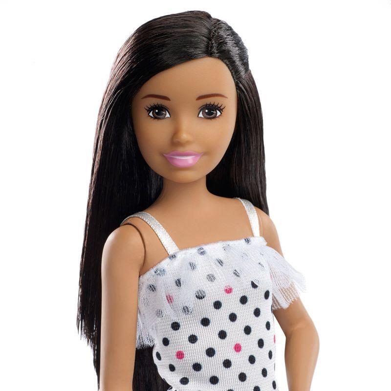 Boneca Barbie Babysitter Blusa de Bolinhas FHY89 Mattel