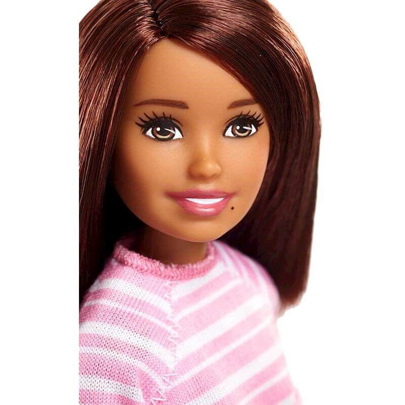 Boneca Barbie Babysitter Blusa Listrada e Shorts FHY89 Mattel
