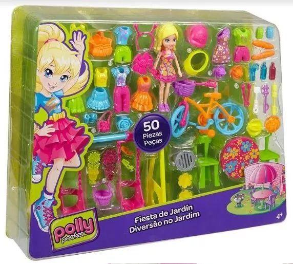 Boneca Polly Pocket Brincando no Quintal DWC25 Mattel