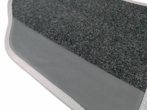 Tapete Mercedes Classe A Carpete Luxo Base Borracha Pinada