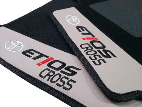 Tapete Etios Cross Carpete 8mm Base Pinada