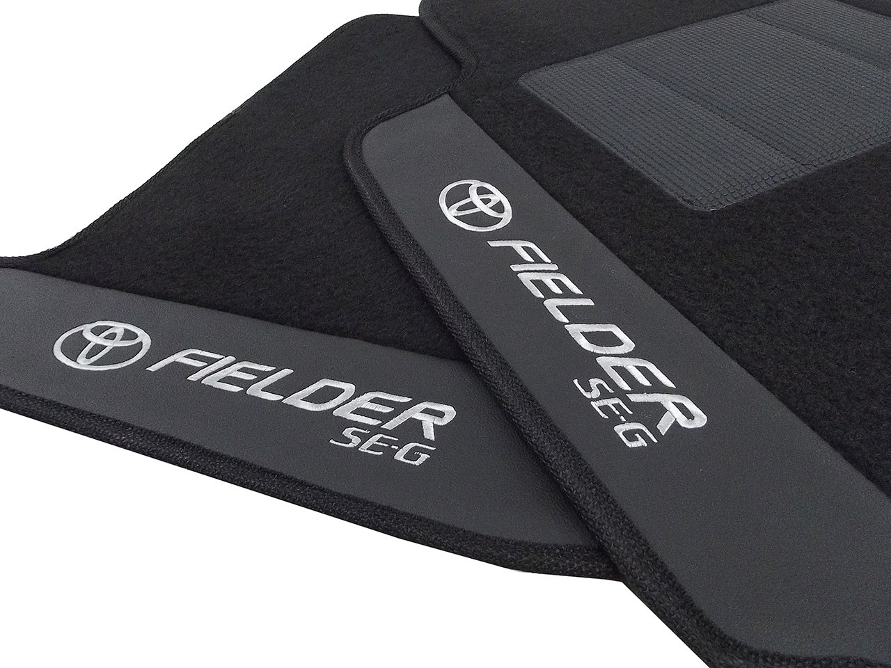 Tapete Toyota Fielder Carpete  Premium Base Pinada
