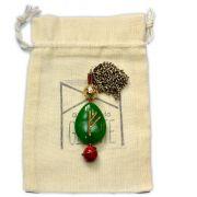 Amuleto Rúnico Cura Jade Verde com Coral - Uruz e Fehu