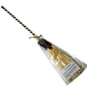 Vassoura de Bruxa de Palha e Bambu com Anis Estrelado