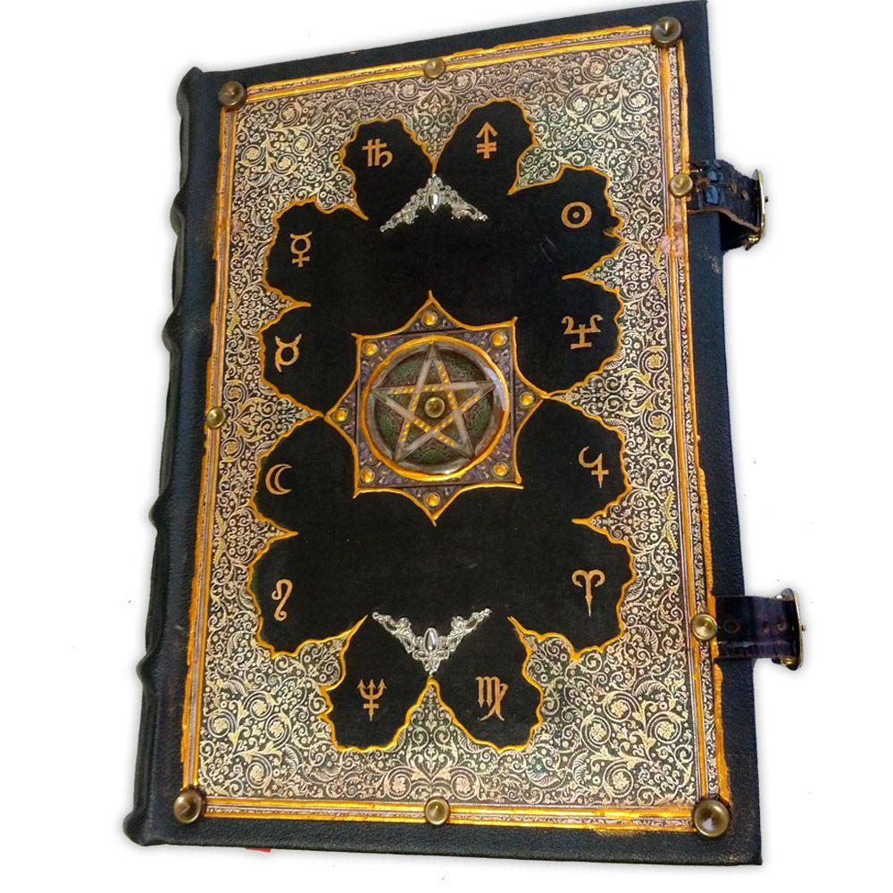 Book Of Shadows Encadernação Medieval 400pg. - Planetas Pentagrama