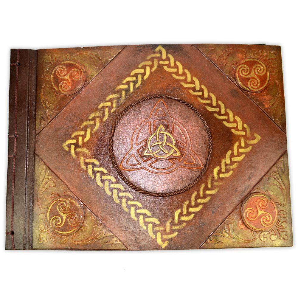 Grimório Tam. 31x22cm 300 pág. (sem pautas) - Triquetra horizontal
