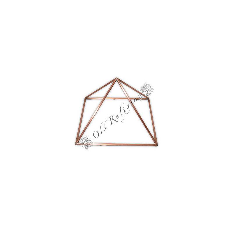 Pirâmide de Cobre Vazada - Média