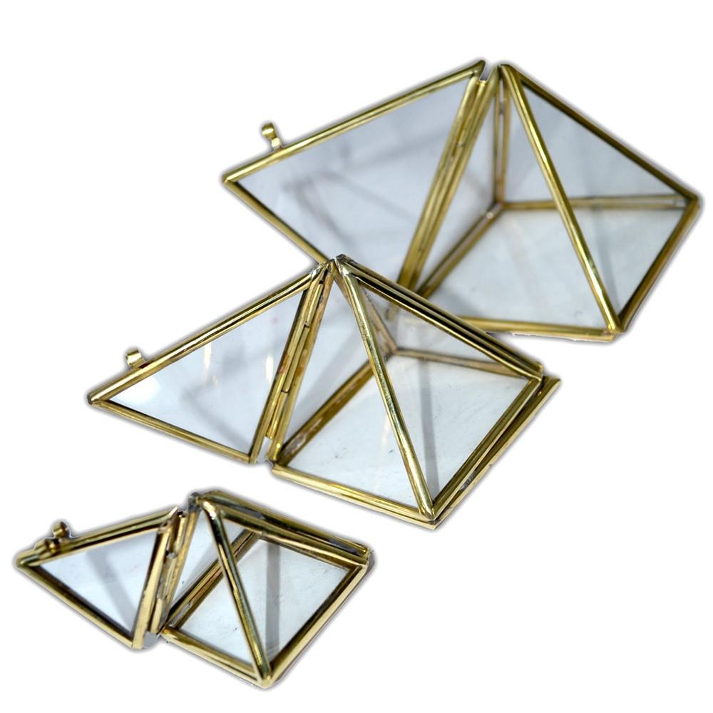 Trio de Pirâmide de vidro