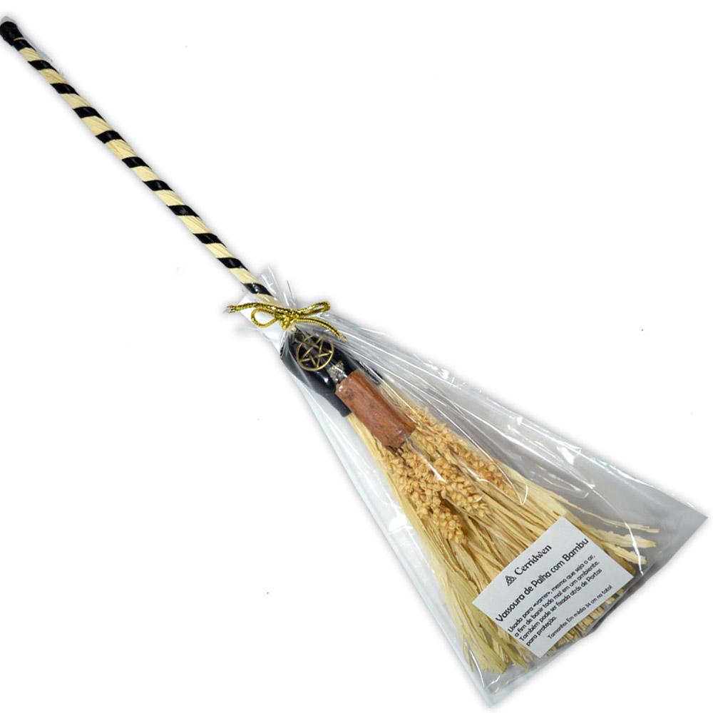 Vassoura de Bruxa de Palha e Bambu com Canela