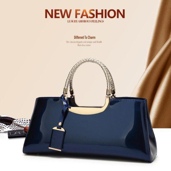Bolsa de Mão e Ombro Elegante Couro PU Italiano Envernizado Moda Feminina Estilo Casual Azul (QBA)