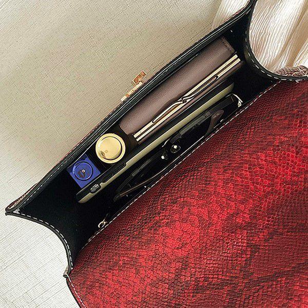 Bolsa de Ombro e Mão Moda Feminina Versátil Estilo Serpente Casual Fashion Vermelha (QBA)