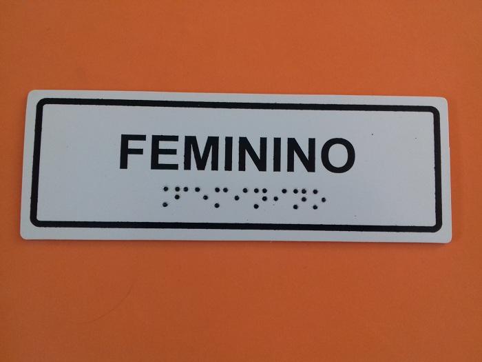Placa de sinalização - SANITÁRIO FEMININO ACESSÍVEL