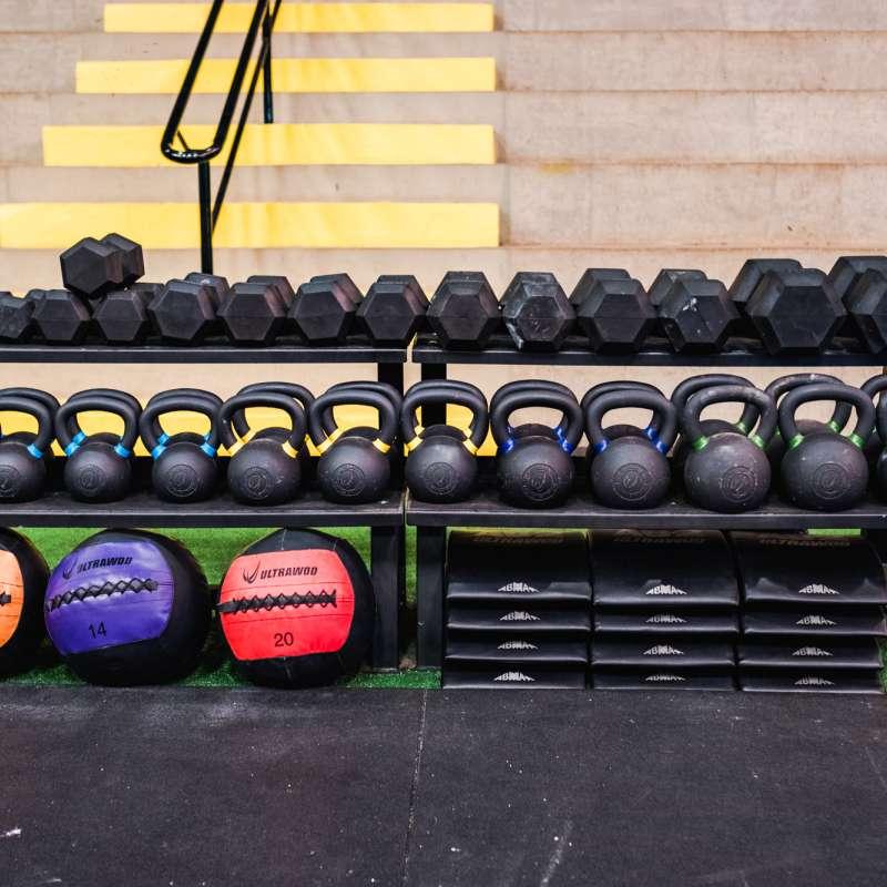 Rack de Chão para Kettlebells & Dumbbells UltraWod