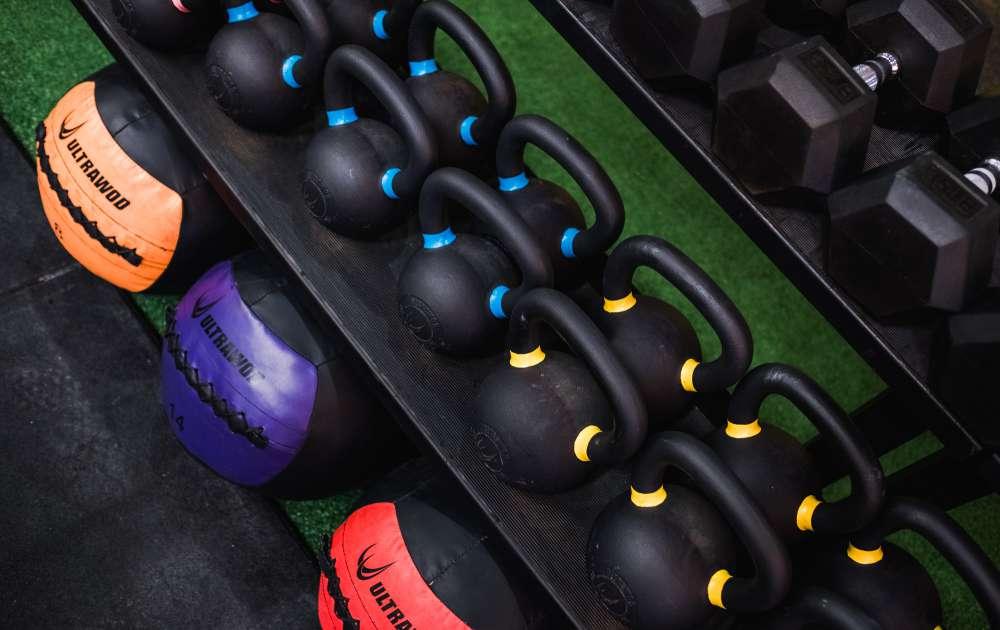 Rack de Chão para Kettlebells & Dumbbells UltraWod  - ULTRAWOD