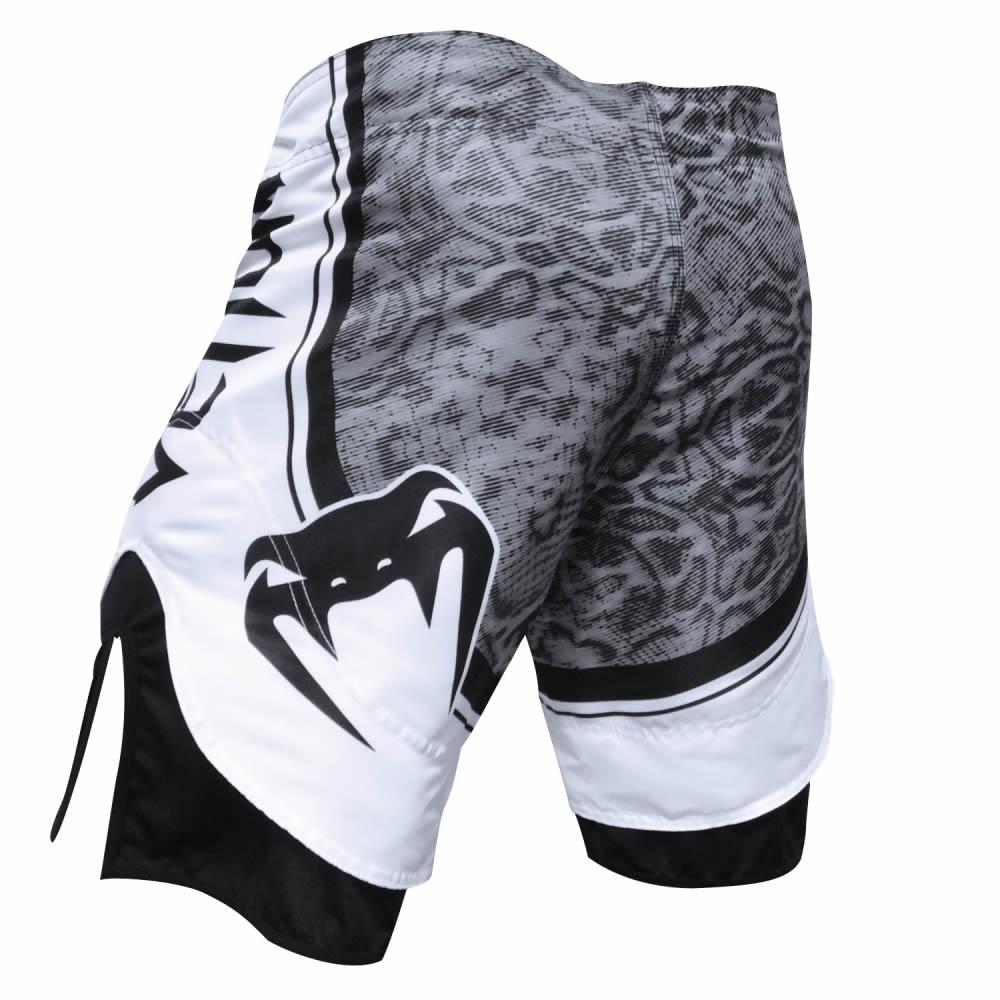 Bermuda MMA Amazônia Black Mamba - Preto/Branco- Venum  - Loja do Competidor