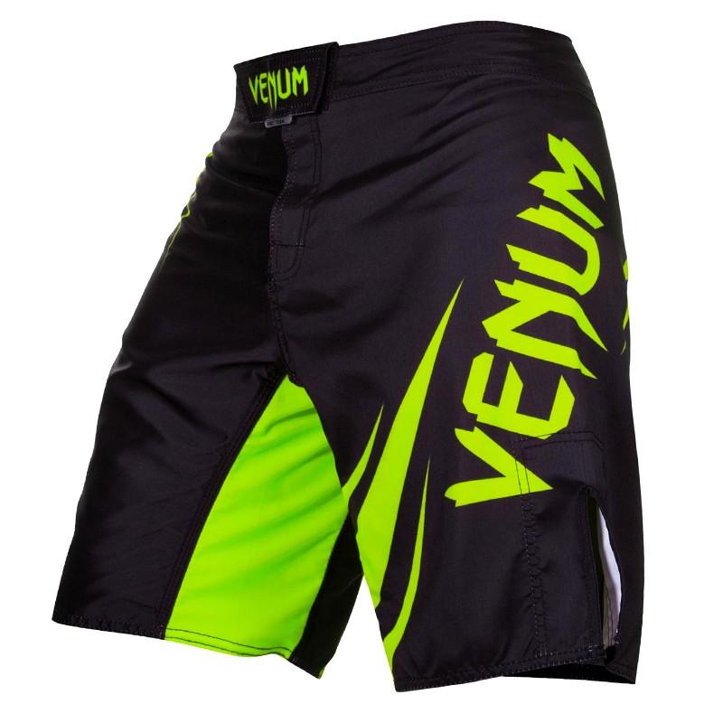 Bermuda MMA - Challenger - Preto/Verde - Venum - ULTIMA UNIDADE .