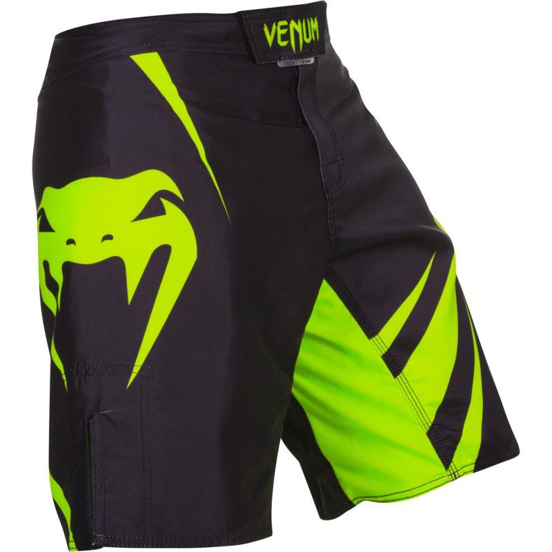 Bermuda MMA - Challenger - Preto/Verde - Venum - ULTIMA UNIDADE .  - Loja do Competidor