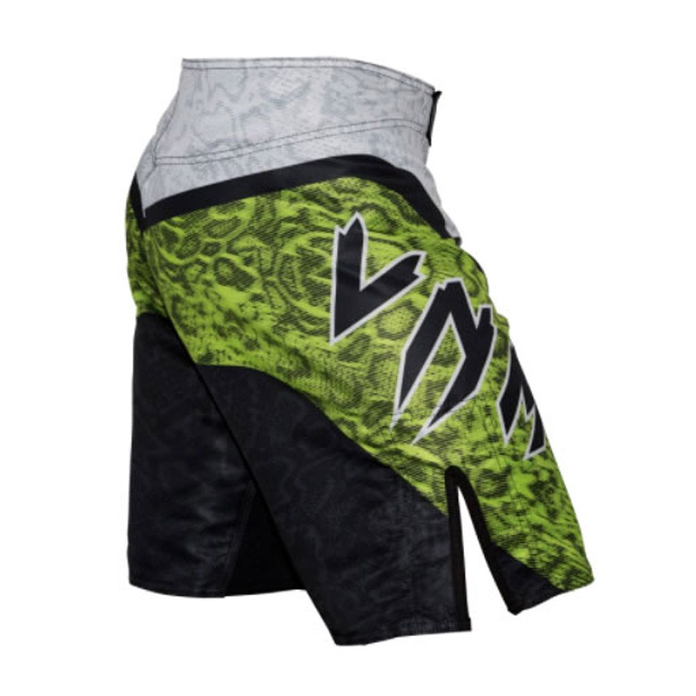 Bermuda MMA com Bolso Interno -Snake EVO - Branco/Verde - Venum  - Loja do Competidor