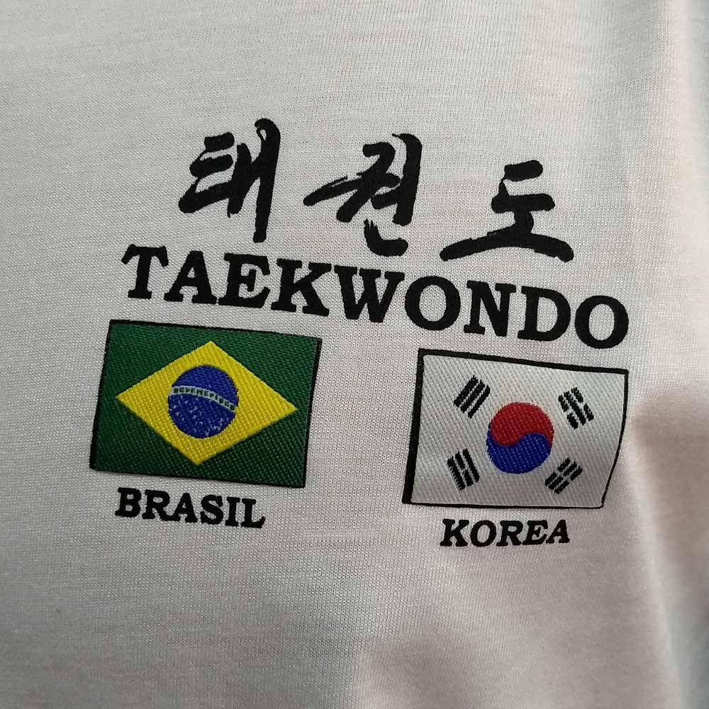 Camiseta Uniforme de Treino Taekwondo Flags - Branco - Toriuk  - Loja do Competidor