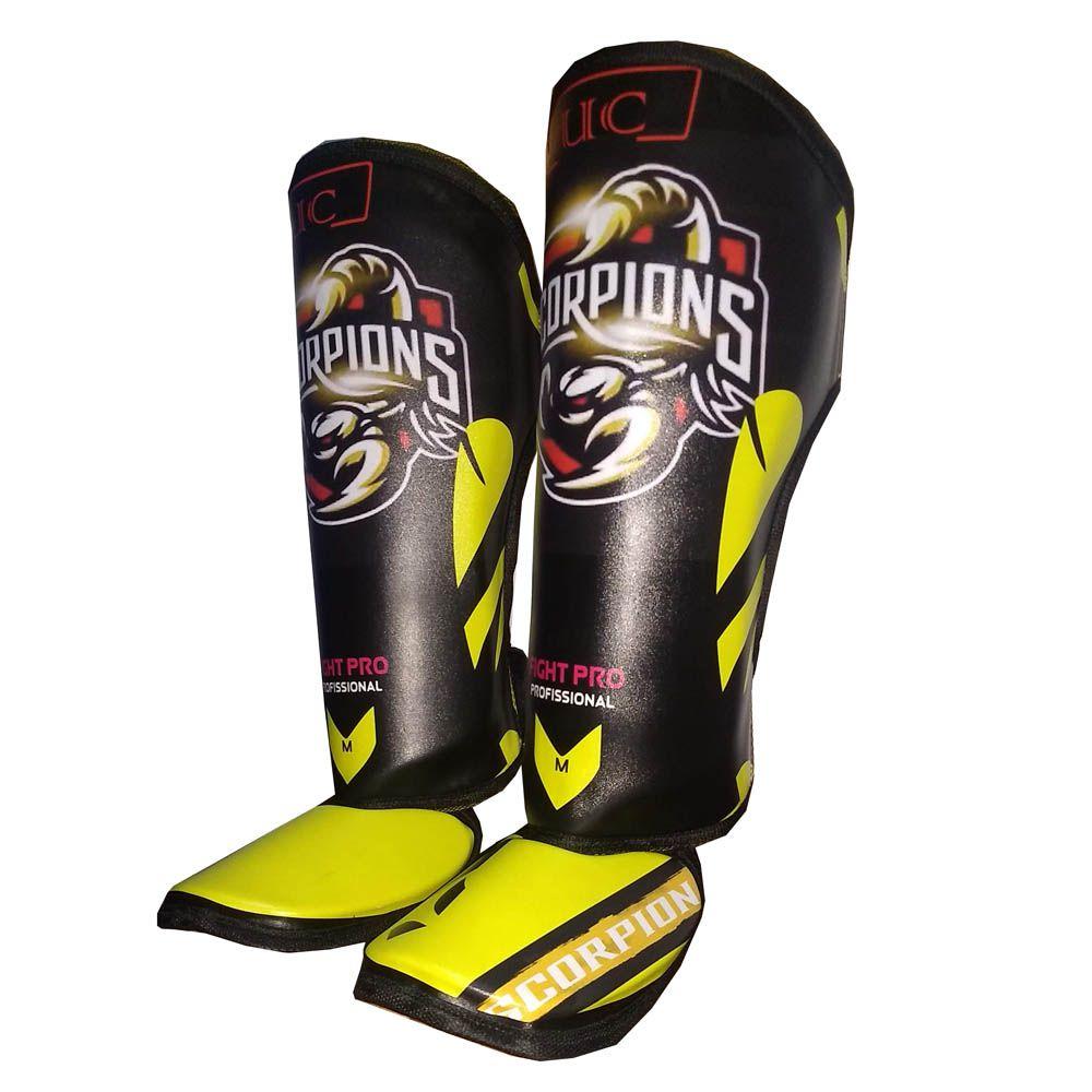 Caneleiras Kick Boxing Muay Thai com Peito de Pé Fixo - Profissional - Scorpion - Preto/Amarelo - UC