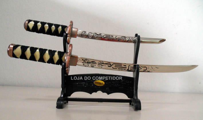 Miniatura com 2 Espadas Decorativas  - Loja do Competidor