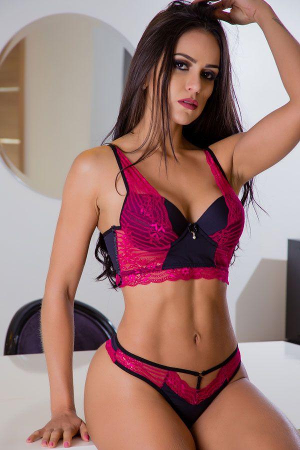 Conjunto Cropped Strappy-bra rendado pink e preto