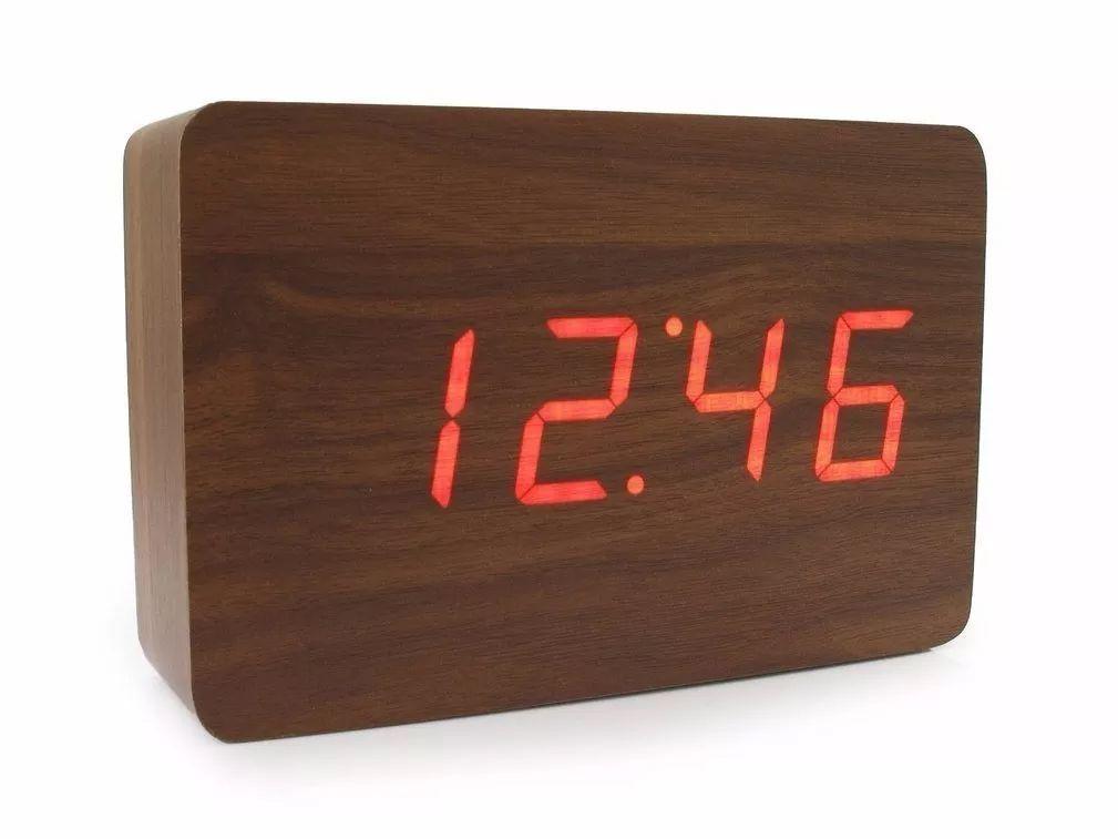 relógio digital em madeira com temperatura e alarme - Madeira