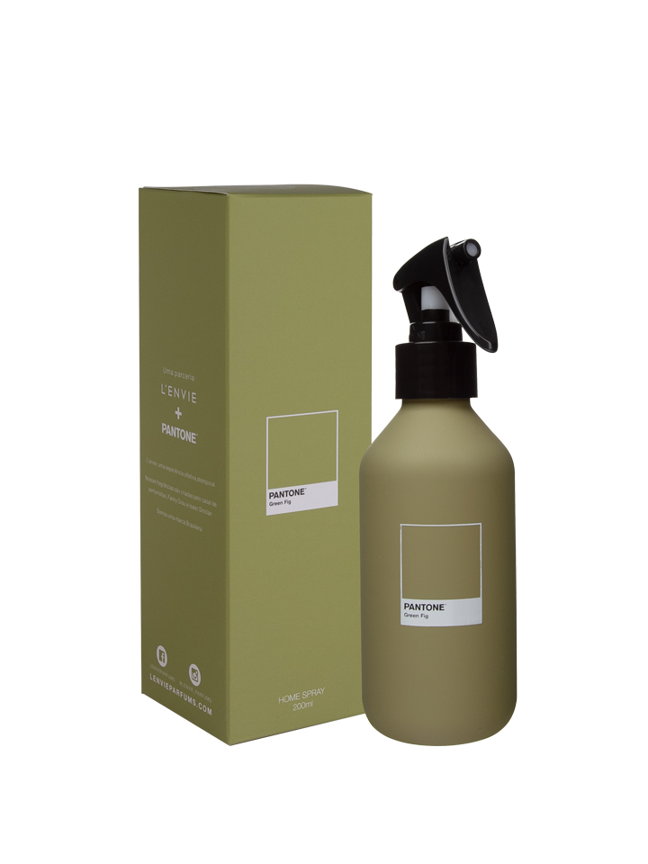 HOME SPRAY GREEN FIG PANTONE®