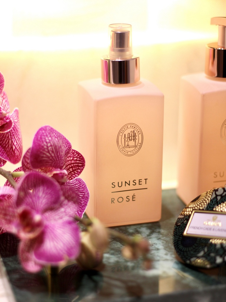 HOME SPRAY SUNSET ROSE