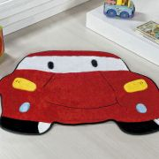 Tapete Infantil Premium Formato Carro Vermelho 78cm x 60cm