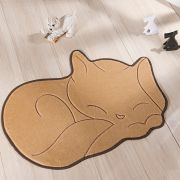Tapete Infantil Premium Formato Gato Soneca Bege 88cm x 62cm