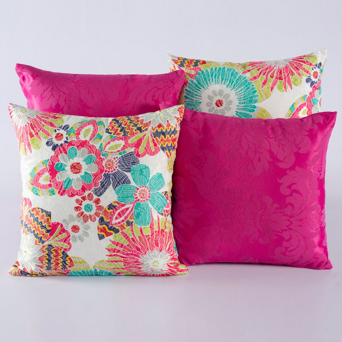 Kit c/ 4 Almofadas Cheias Decorativas Floral Colorido/Pink 04 Peças c/ Refil