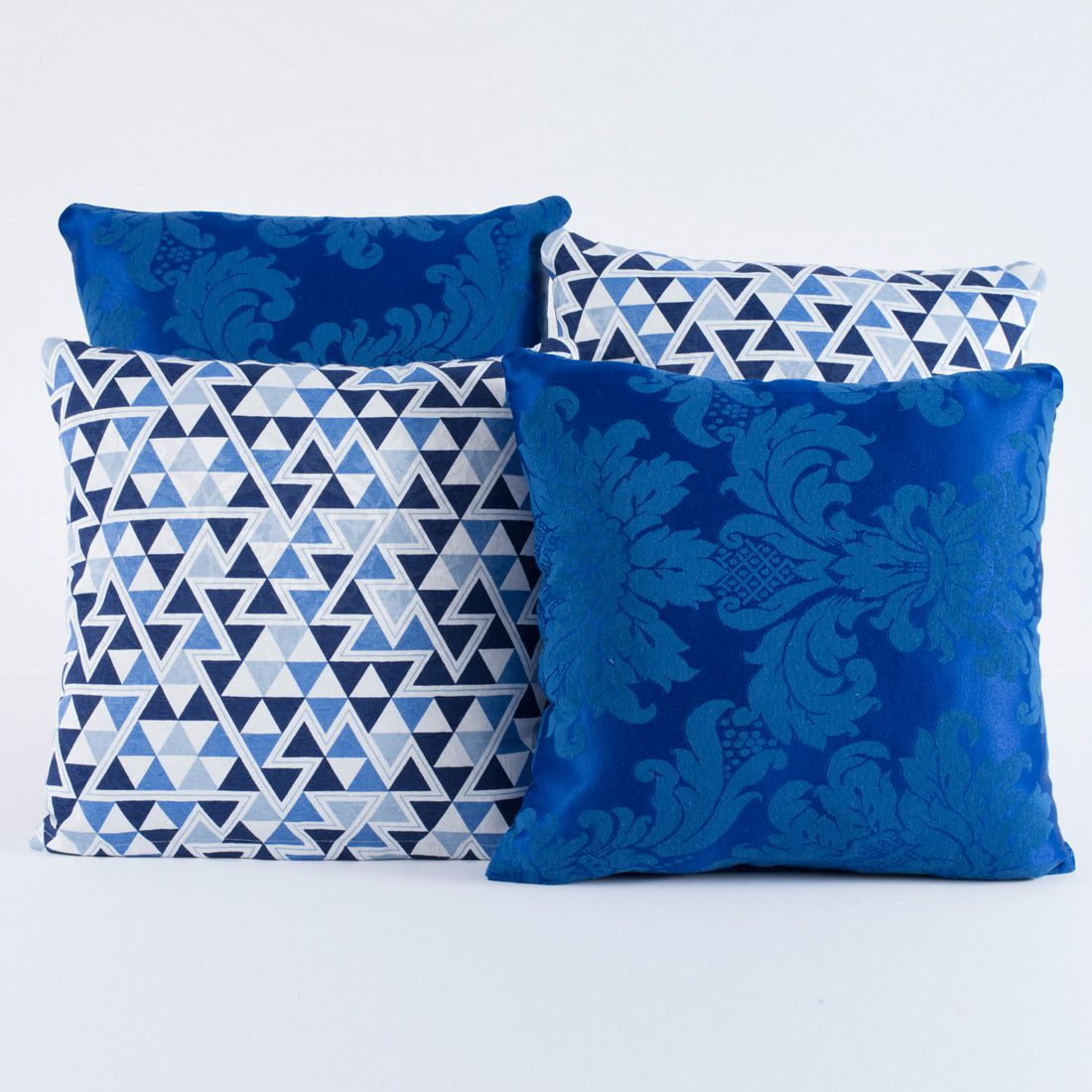 Kit c/ 4 Almofadas Cheias Decorativas Geométrico Azul Royal 04 Peças c/ Refil