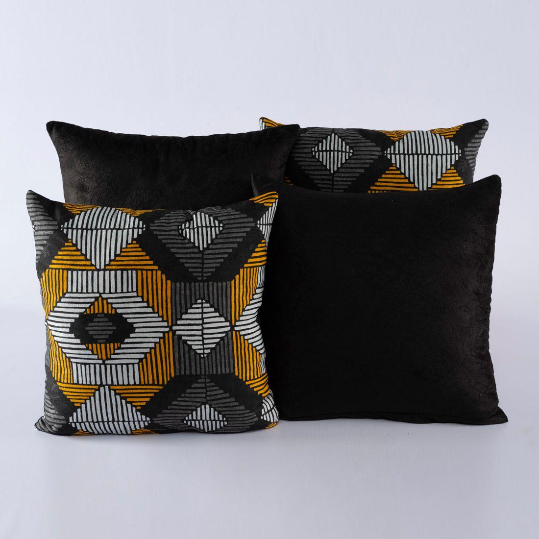 Kit c/ 4 Almofadas Cheias Decorativas Geométrico Preto/Amarelo