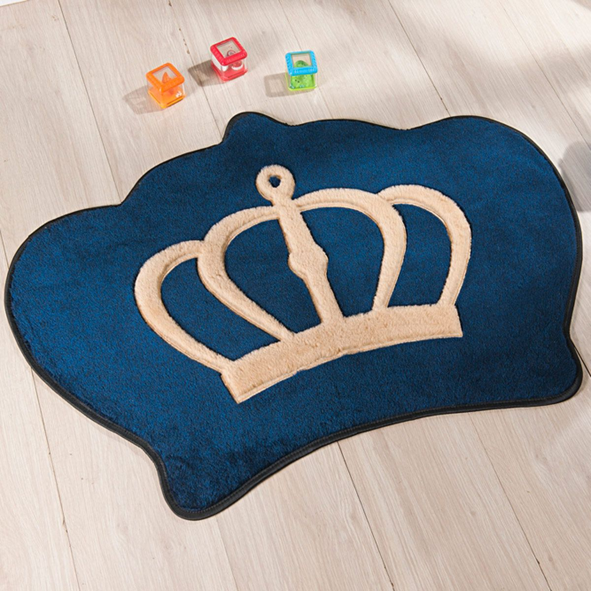 Tapete Infantil Premium Formato Coroa Azul Marinho 86cm x 64cm