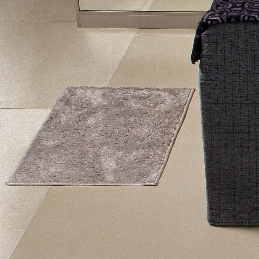 Tapete Retangular Oasis Cinza Liso 50cm x 65cm