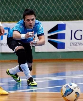 Joelheira De Futsal Penalty Profissional